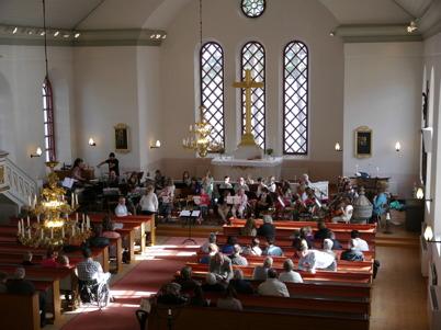 6 maj 2013 - kommunala musikskolan bjöd på vårkonsert i Västra Fågelviks kyrka.