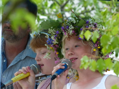 21 juni 2013 - i Lennartsfors var det midsommarfirande vid hembygdsgården.
