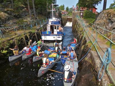 12 juli 2013 - i Lennartsfors var det full aktivitet i slussarna.