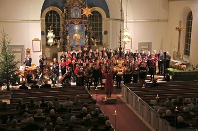 28 december 2013 - och så avslutades året med 20-årsjubileum för Julkonserten i Holmedals kyrka.