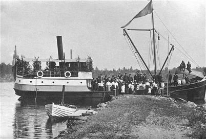 Ångbåten EJDERN vid Strands brygga / Foto : okänd