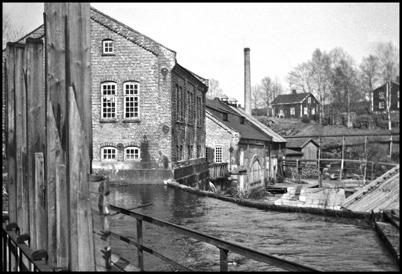 Kraftstationen och pappersmassafabiken vid Töcksfors Bruk - 1930- 1940-talet / foto : Uno Brander.
