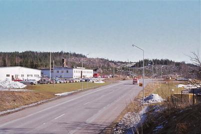 Februari 1975 - TVAB och i bakgrunden byggs industriområdet Källhultet.