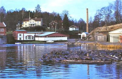 1967 - Bruket med fabriksskorstenen.