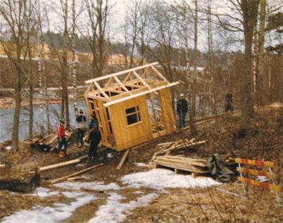 Byggnation av slussvaktarbod vid nedre slussen.