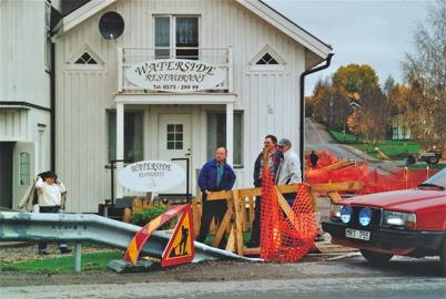Restaurang Waterside före ombyggnaden samt pågående grävarbete för fjärrvärme.