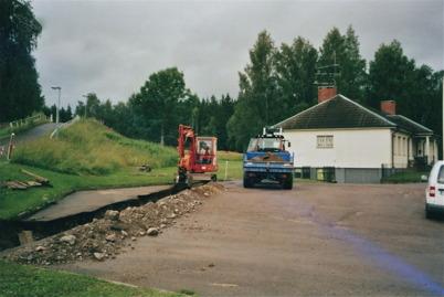 Församlingshemmet anslöts till fjärrvärmenätet 2009.