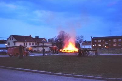 Magasinet bakom Owes Livs bränns ner 1978, för att bereda plats för nya ICA Svenohallen.