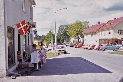 Juli-Augusti 1975 - Handel i Töcksfors centrum.