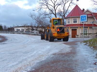 17 januari 2015 - Töxfrakt skrapade is på gatorna i Töcksfors.