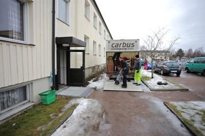 17 februari 2015 - Hyresgästerna i fastigheten Västra Torggatan 2 i Töcksfors evakuerades inför kommande renovering.