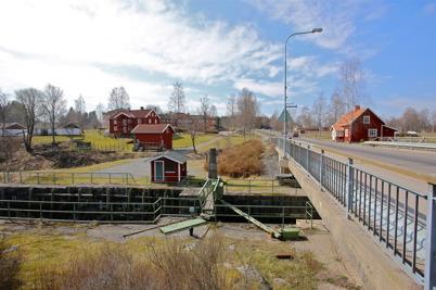 10 april 2015 - Området vid övre slussen i Töcksfors skulle snart få ett nytt utseende.