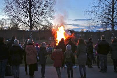 30 april 2015 - Valborgsmässoelden värmde.
