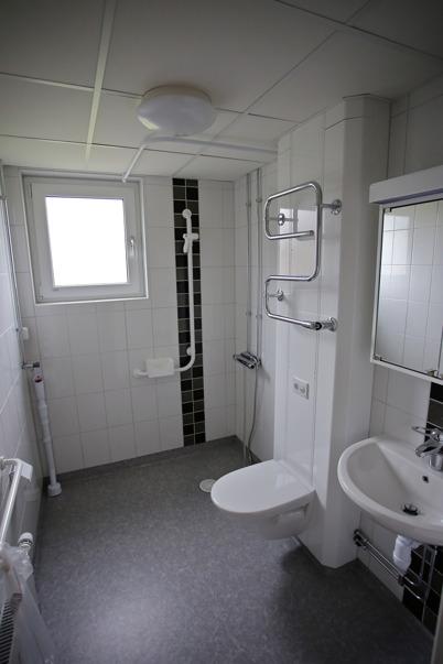 4 maj 2015 - Hyresgästerna på Västra Torggatan 2 kunde bl a glädjas åt nya fräscha toalett- och duschrum.