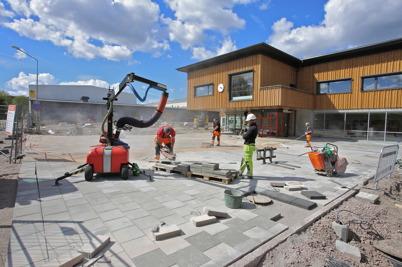 21 maj 2015 - Vid Nordmarkens skola i Årjäng iordningställdes den yttre miljön.