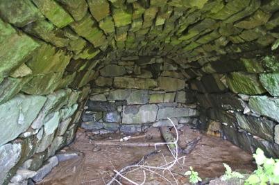 26 maj 2015 - Så uppstod det en diskussion om den gamla stensatta potatiskällaren vid övre slussen skulle få vara kvar.