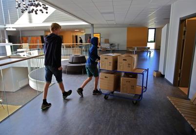 16 juni 2015 - I Årjäng var det dags för inflyttning i Nordmarkens skola.