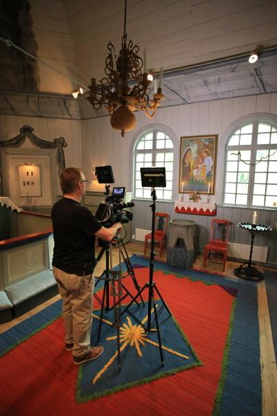 26 juni 2015 - Lennart Jonsson videofilmade Töcksmarks kyrka.
