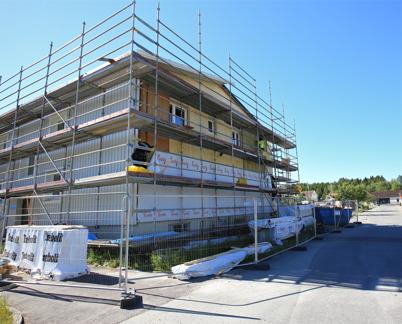 2 juli 2015 - Och i Töcksfors fortsatte renoveringen av Västra Torggatan 2.