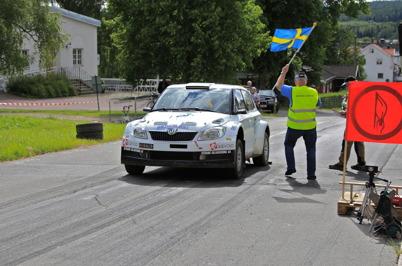 10 juli 2015 - Under hästkrafthelgen i Årjäng gällde det bl a att köra uppför marknadsbacken så snabbt som möjligt.