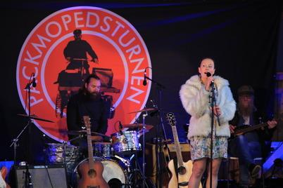 27 juli 2015 - Det blev en helkväll på Silleruds hembygdsgård med musikunderhållning av hög klass.