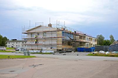 4 augusti 2015 - I Töcksfors fortsatte renoveringen av fastigheten Västra Torggatan 2.