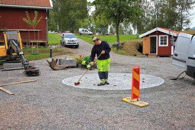 25 augusti 2015 - Den stensatta plattan där Skulpturen skulle placeras var klar.