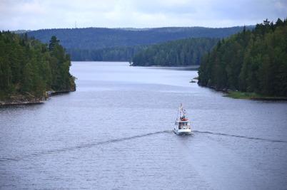 3 september 2015 - Och så kom sekelskiftes-båten M/S Storholmen från Bengtsfors till Töcksfors för att medverka i 100-års firandet av Kanalen Stora Lee - Östen.