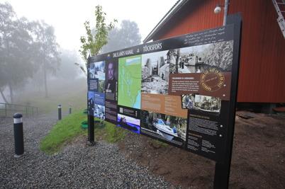 4 september 2015 - I Kanalparken kom nya informationstavlan på plats.