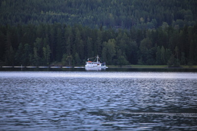 4 september 2015 - Redan på ankomstdagens kväll gick Storholmen första turen med passagerare till Östervallskog.