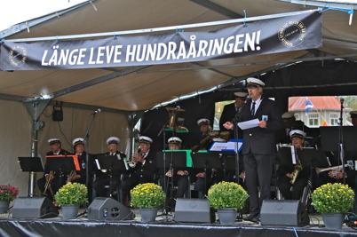 5 september 2015 - Efter jubileumslunchen fortsatte firandet i Kanalparken, där Gruvöns musikkår spelade.