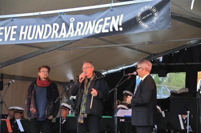 5 september 2015 - Owe Lindström fick de båda konstnärerna Justus Braunschweig och Lolo Funck Andersson att berätta om sina konstverk.