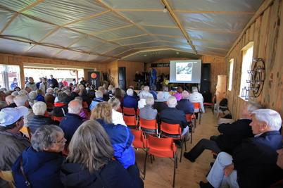 6 september 2015 - Festprogrammet vid hembygdsgården i Östervallskog avslutades med ett historiskt spel om Kanalen Stora Lee - Östens tillkomst.