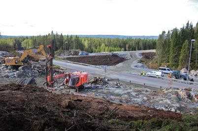 18 september 2015 - Och på norska sidan riksgränsen pågick bygget av nya E18.