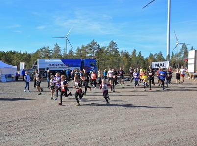 3 oktober 2015 - Deltagarna i första vindkrafts-loppet satte full fart redan från start.