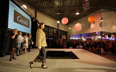 30 oktober 2015 - Och så var det modevisning i samband shoppingcdentrets 10-årsfest.