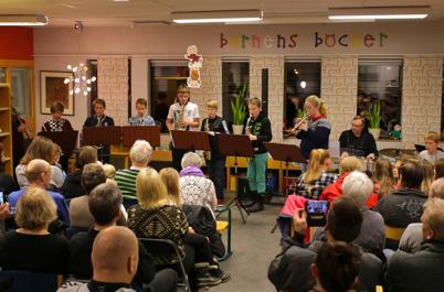 24 november 2015 - Kommunala musikskolan spelade i Töcksfors bibliotek.