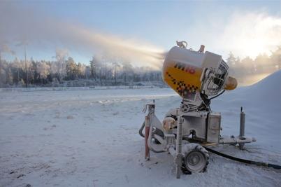 15 december 2015 - Vid Kölen sportcenter gjordes ett nytt försök att skapa vinter.