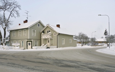 13 januari 2010 - Restaurang Waterside vid korsningen Sveavägen - Bögatan. I bakgrunden syns vårdcentralen.