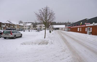 18 januari 2010 - Torget och den nedlagda matvarubutiken.