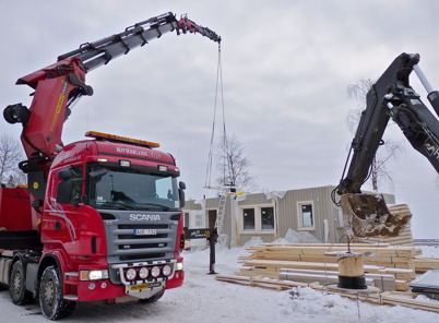 19 januari 2010 - Montering av ett fabrikstillverkat hus.