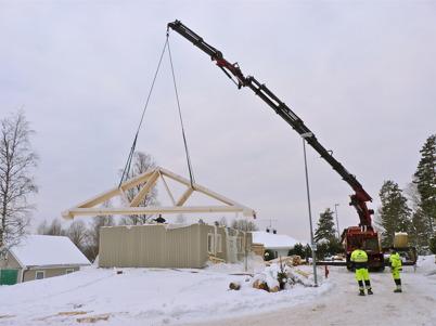 19 januari 2010 - Montering av fabrikstillverkat hus.
