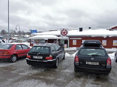 28 februari 2010 - Kötthallen i centrala Töcksfors har en stor norsk kundkrets.