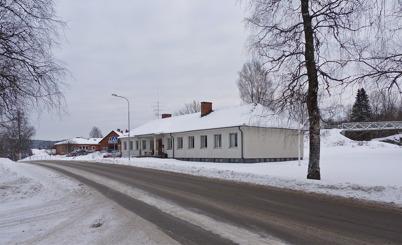 19 januari 2010 - Församlingshemmet och i bakgrunden äldreboendet Solgården.