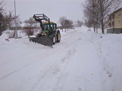 20 februari 2010 - Snösvängen arbetar intensivt för att göra gator och vägar farbara.