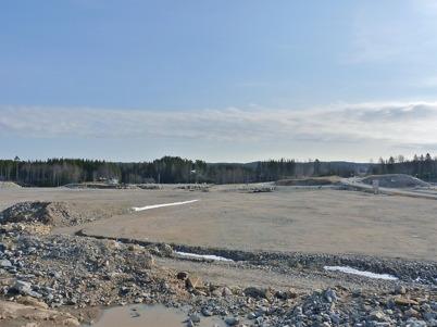 4 april 2010 - Området väster om Töcksfors intill nya E18 där Töcksfors handelspark skall byggas.
