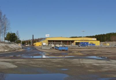 9 april 2010 - Töcksfors Verkstads AB (TVAB) var tidigare den största industrin i Töcksfors med flera hundra anställda. Företaget tillverkar bl a elkomponenter till bilindustrin. TVAB har nu flyttat tillverkningen till Polen.