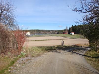 11 maj 2010 - Utsikt från Toret mot Näset och sjön Töck.