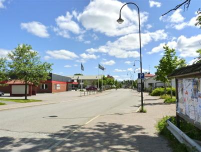 15 juni 2010 - Sveavägen i centrala Töcksfors en vacker försommardag.