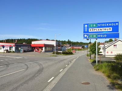 17 juni 2010 - Lågprisvaruhuset Gränslöst vid Sveavägen och i bakgrunden Kötthallen.
